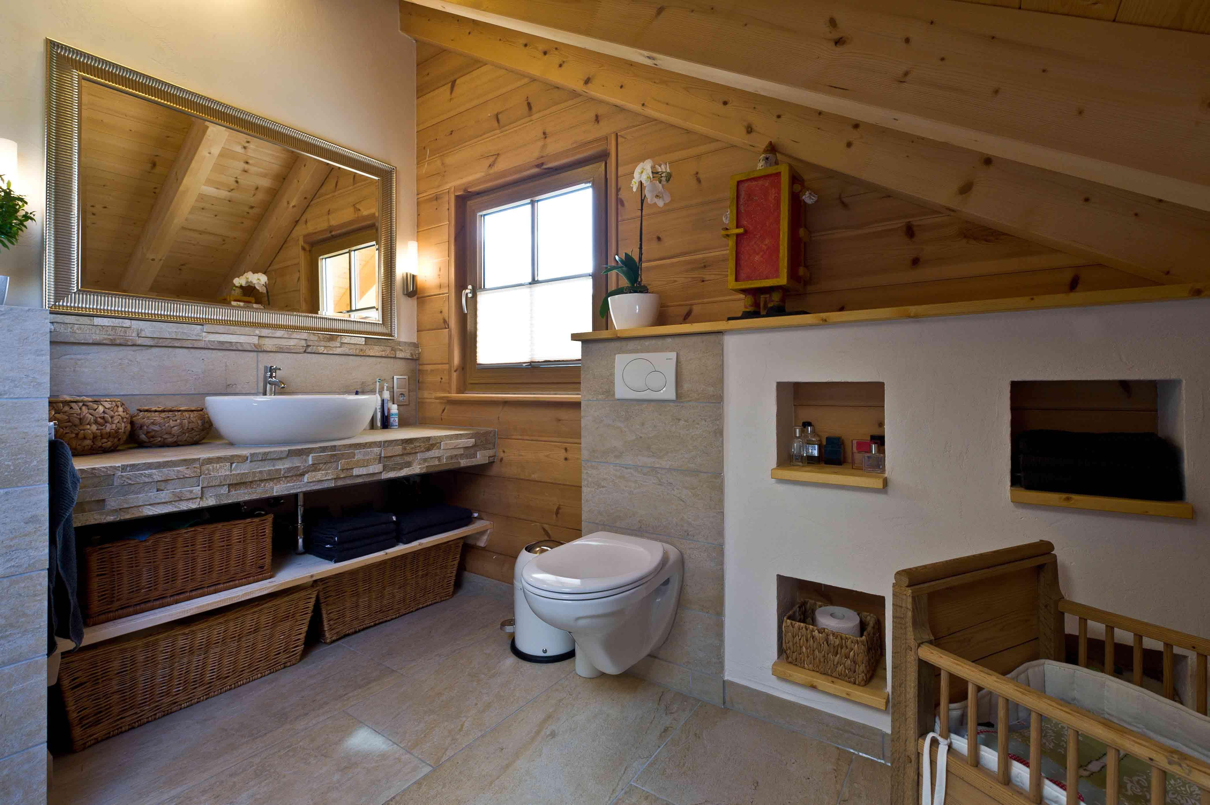 ländliches und klassisches Holzhaus am Schlossberg von Fullwood