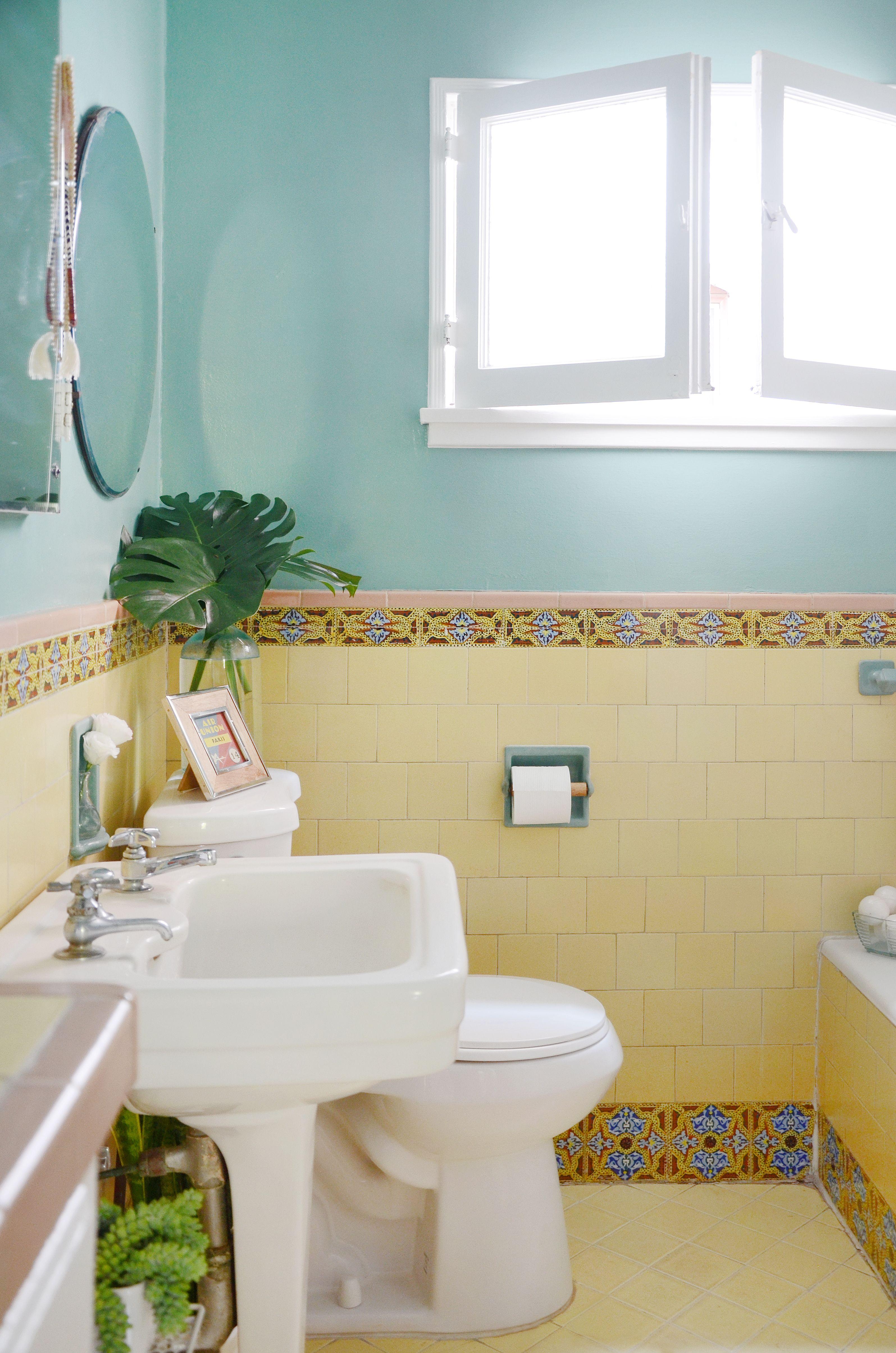 25 Genius Design & Storage Ideas for Your Small Bathroom | Small ...