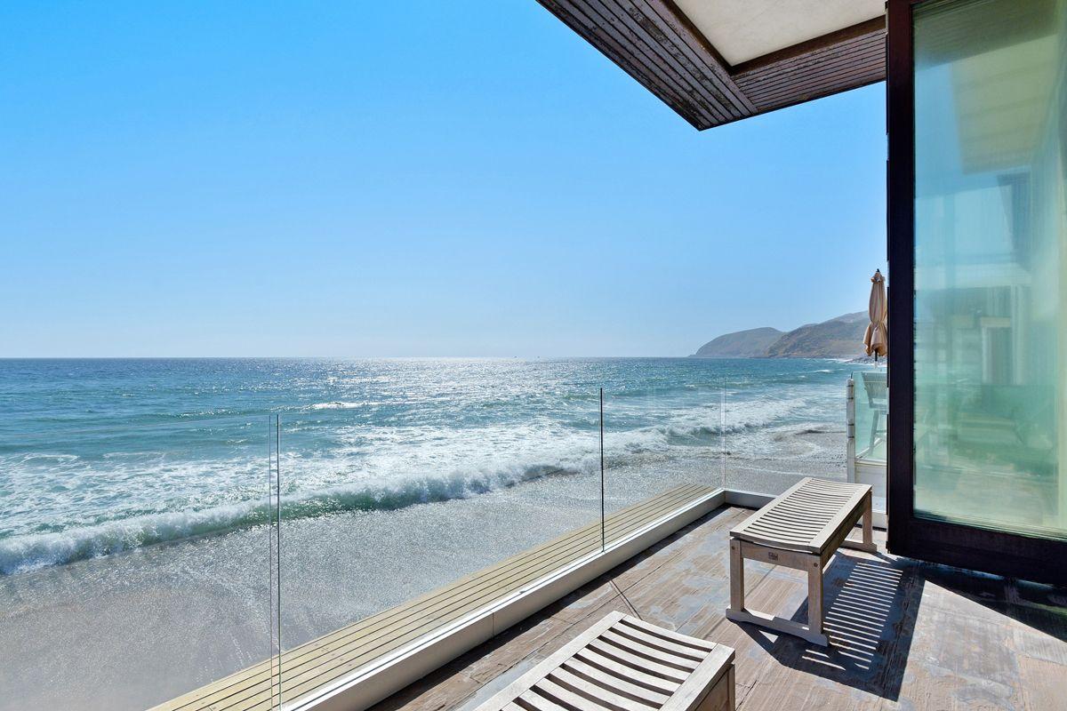 Simple Luxury Beach House Rentals Modern Malibu Beach