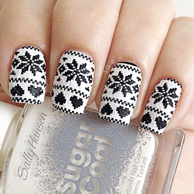 25 Stunning Christmas Nail Art Designs | Christmas nail art designs ...