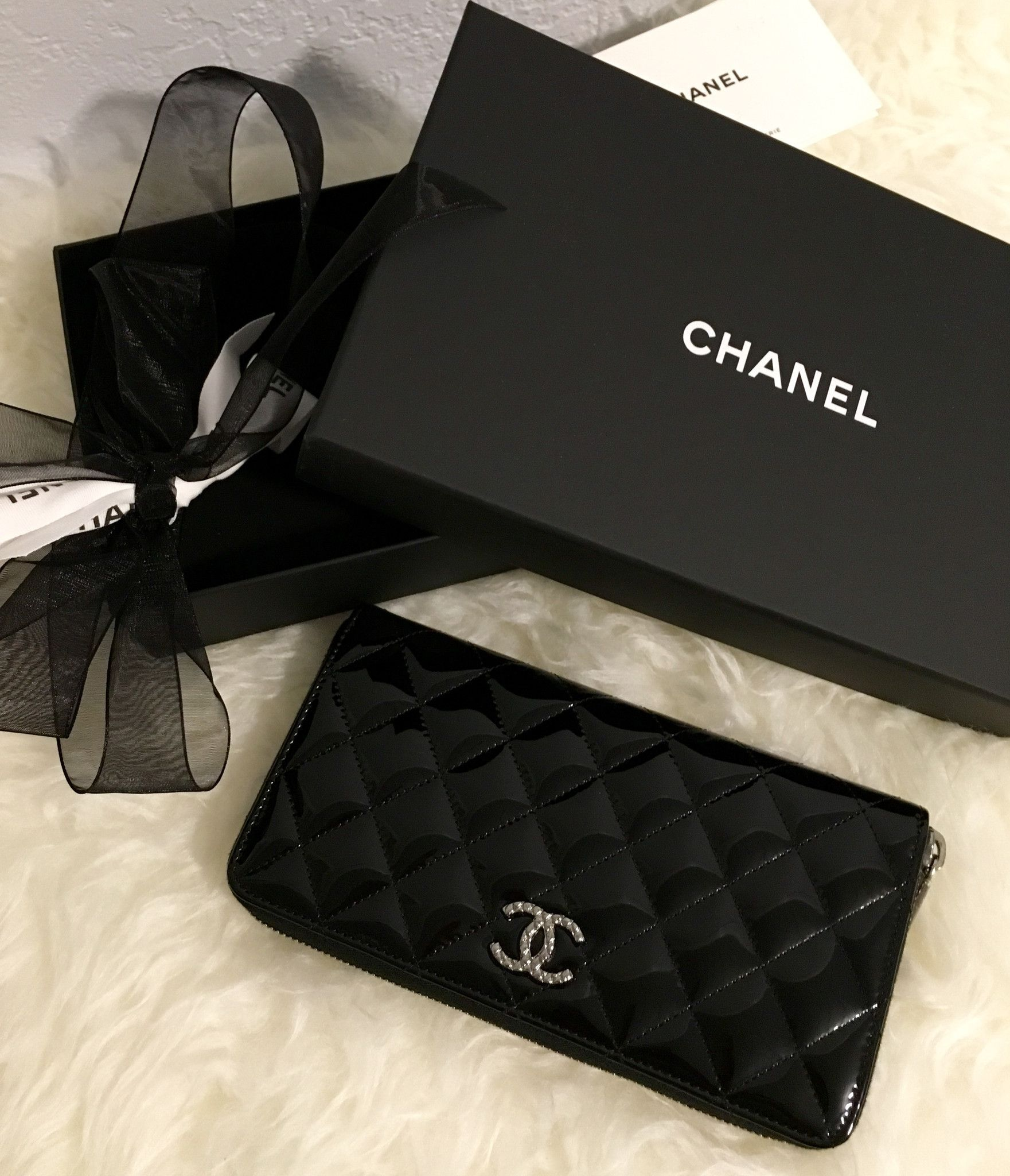 Chanel patent leather quilted cc zip wallet zip wallet