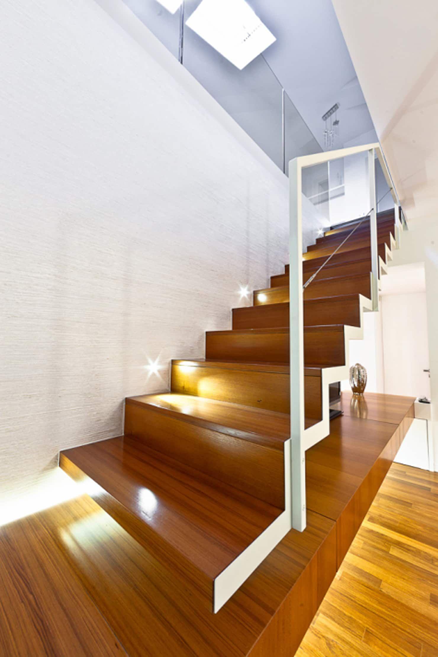 Particolare scala mansarda andrea stortoni architetto ...
