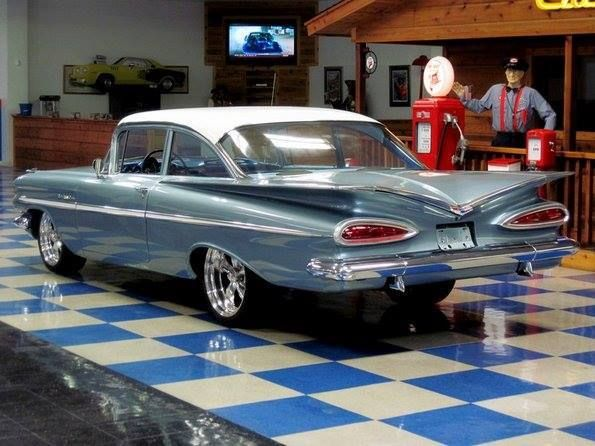 This Looks Very Similar To The Chevy We Had In Canyon Texas I Can Just See It Parked Out In Front Of The House Classic Cars Chevrolet American Classic Cars