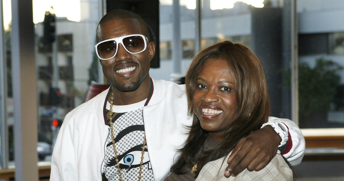 Surgeon For Kanye West S Late Mom Says Rapper S Not Allowed To Use His Photo On Album Cover Kanye West Mom Kanye West Rap Songs