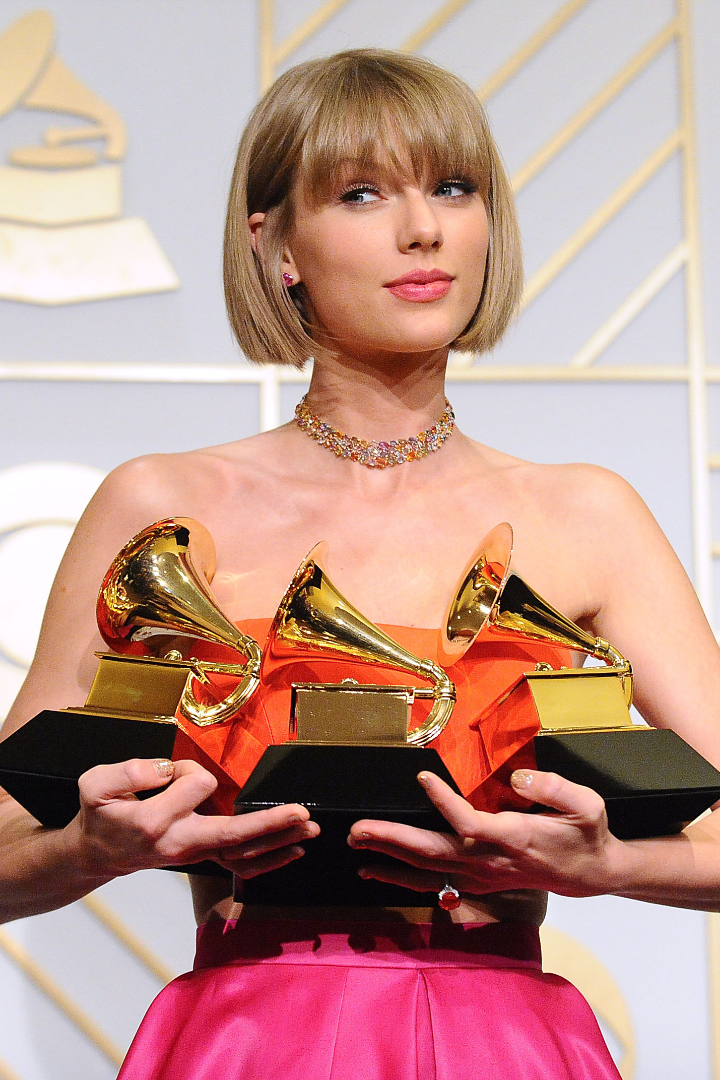 10 Celebrity Reactions To Taylor Swift Hitting Back At Kanye West In Her Grammys Speech Taylor Swift Web Taylor Swift News Taylor Swift 1989