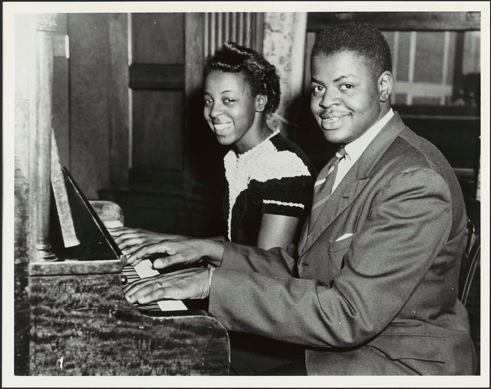 Oscar Peterson with his sister Daisy. 1944. | Sammy davis ... Fats Waller Grammy Awards