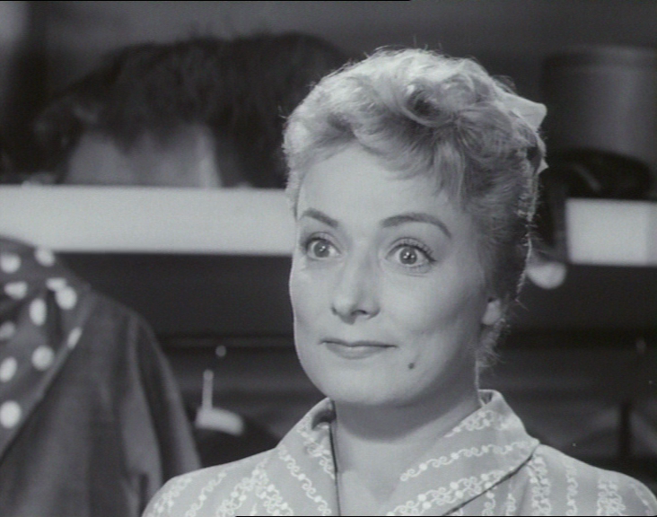som skuespillerinde Mai Grøndahl, i Pigen og vandpytten ...