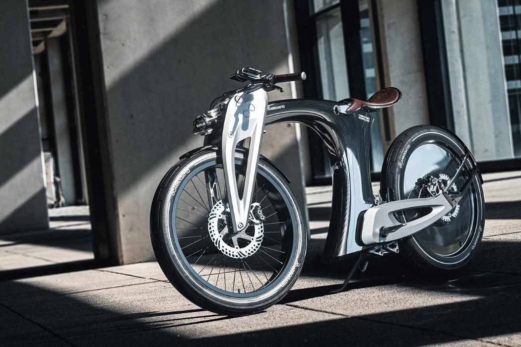 The Carbogatto H7 Is A Pretty Neat E Bike With An Acceleration Of 0 45km H In 6 2 Seconds And A Top Speed Of 25km H Thanks T Ebike Retro Futuristic Motorbikes