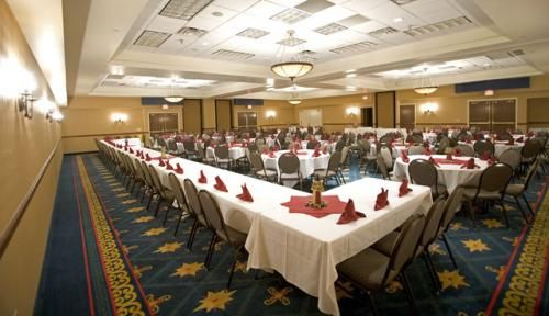 The Inn's ballroom is the perfect size for special events. Ahh, the possibilities! :)