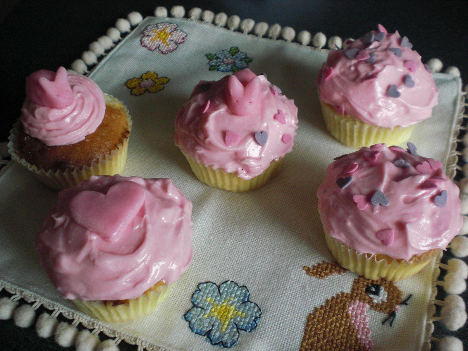 pink-pink-pink cupcakes!