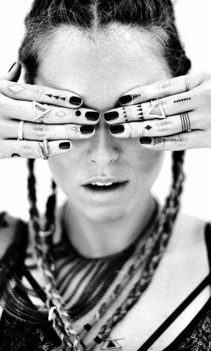 24 tatuajes en los dedos finger tattoo ideas