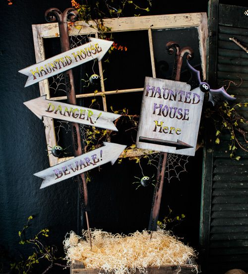 Spooky Signs, Garden Signs