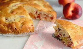 Gâteau aux pêches Express avec Thermomix, un gâteau fruité facile à faire, ultra léger et fondant, idéale pour le petit déjeuner ou le goûter.