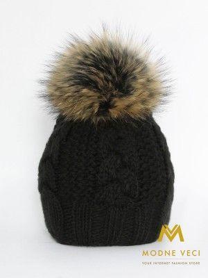 Dámska čierna čiapka s bambuľou z pravej kožušiny 3091/79