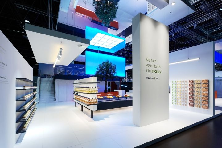 philips lighting stand by totems d sseldorf germany retail design blog i s installation. Black Bedroom Furniture Sets. Home Design Ideas