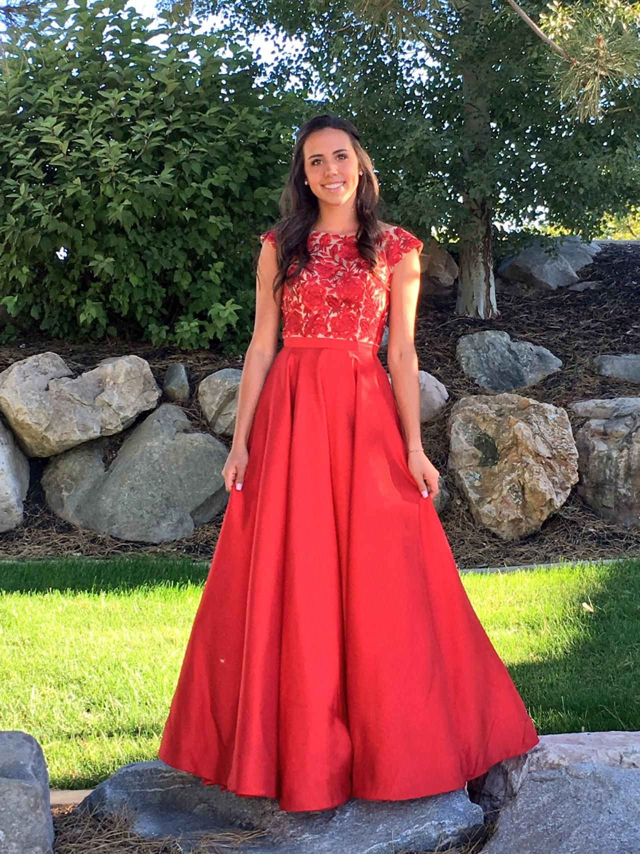 Prom Dress Red Cap Sleeves Lace Applique A Line Long Prom Dresses
