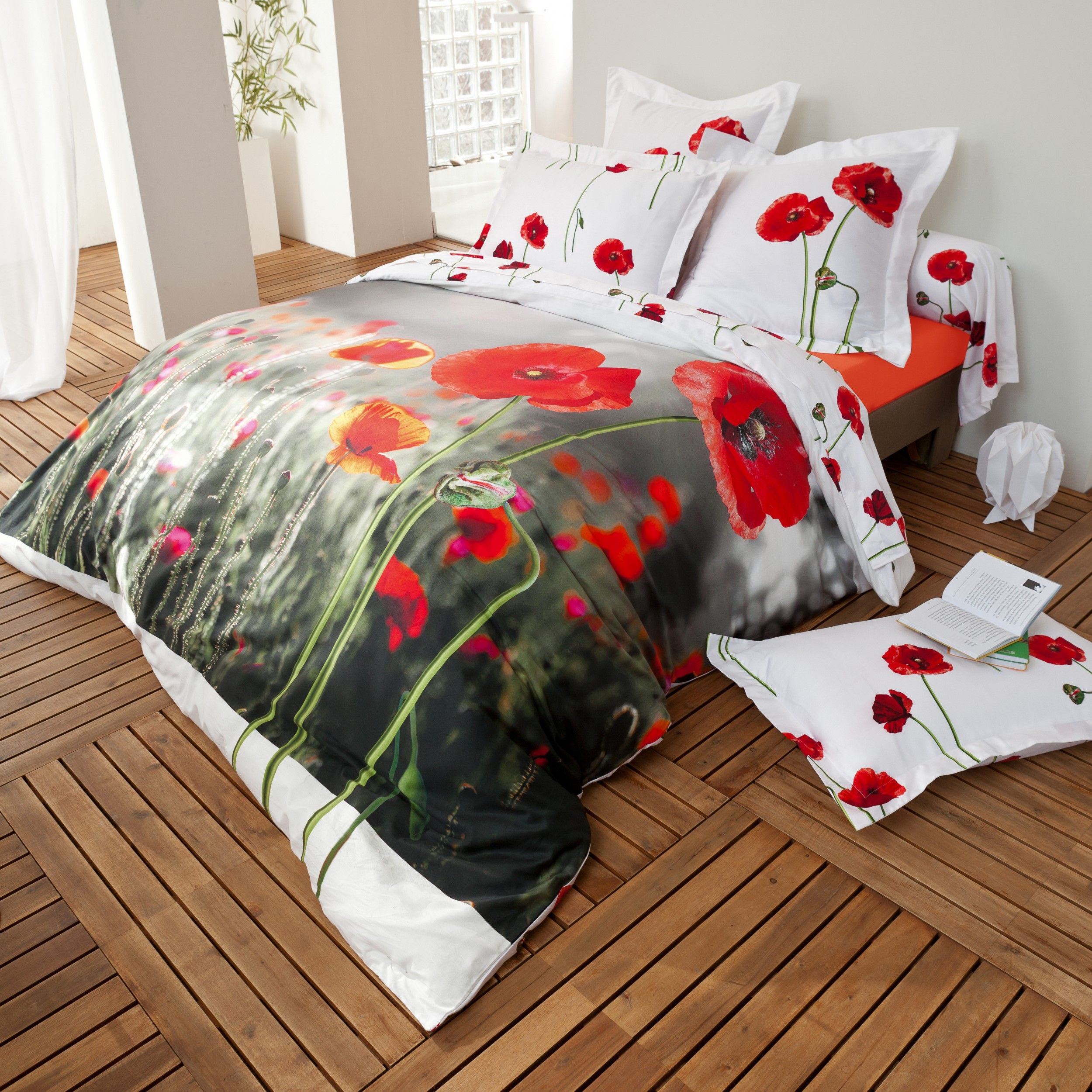 coquelicot linge de lit fleuri rouge d co fleurie pinterest coquelicots linge de lit et lit. Black Bedroom Furniture Sets. Home Design Ideas