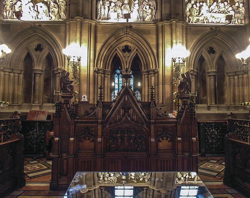 Thomas Coates Memorial Paisley organ