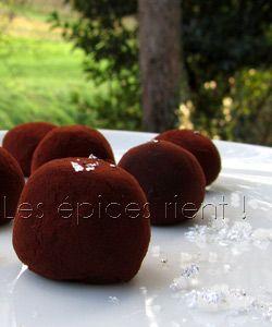 Truffes au chocolat, fève de Tonka et fleur de sel