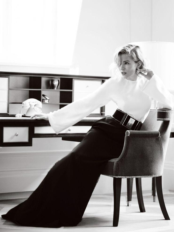 Sienna Miller | Blouse by Barbara Casasola, skirt by Escada, belt by Balmain and earrings by Sophia Vari | Photog: Mario Testino | Vogue (UK) October 2015
