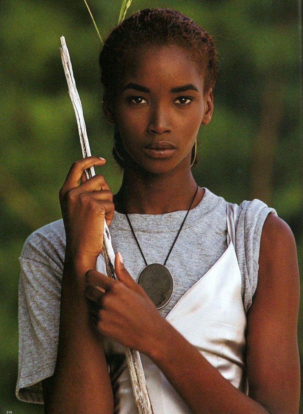 Μηματίδα γυναίκα Ebony