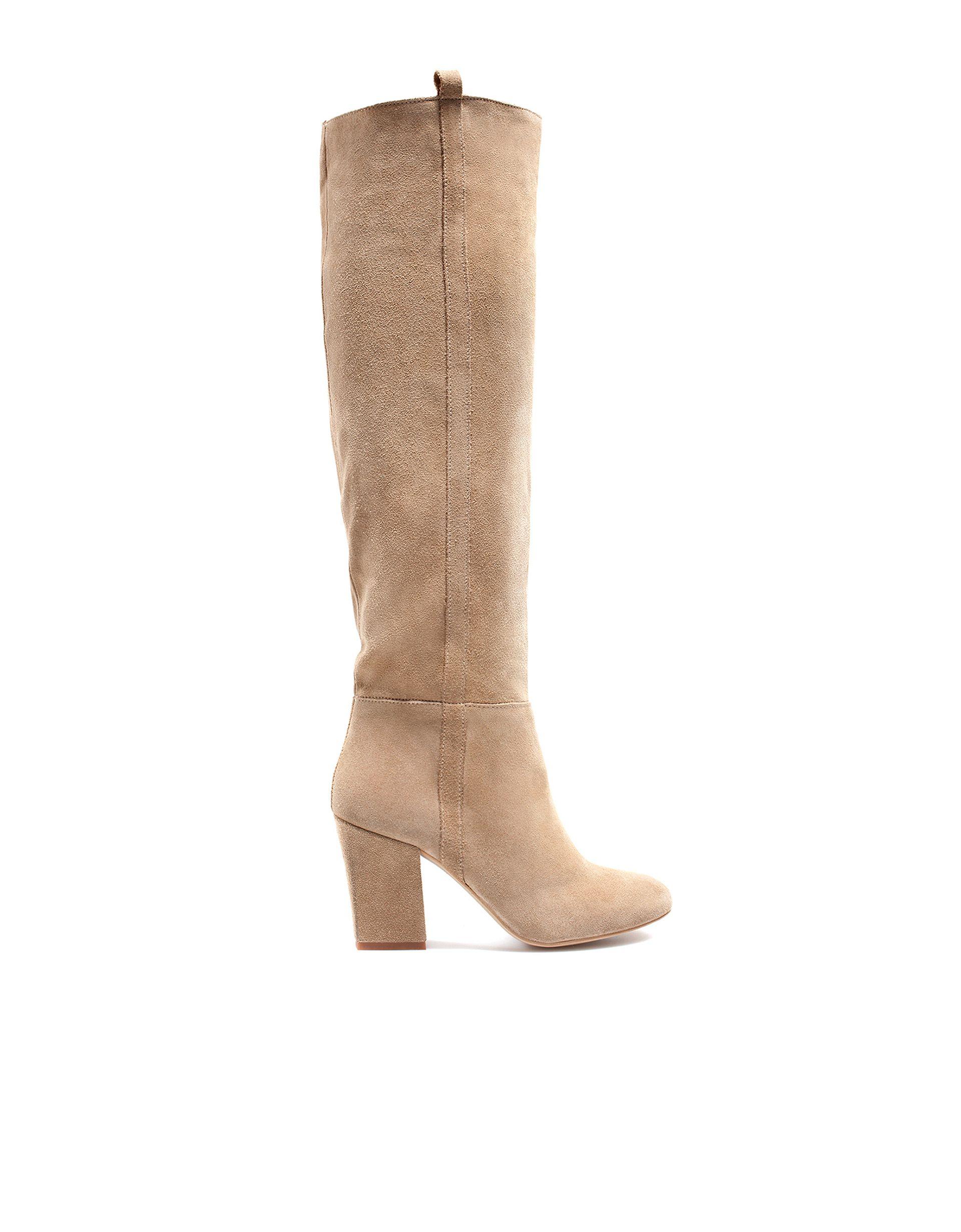 d96b9ed3 Botas de caña alta de ante beige de Zara | Bags & Shoes | Botas de ...