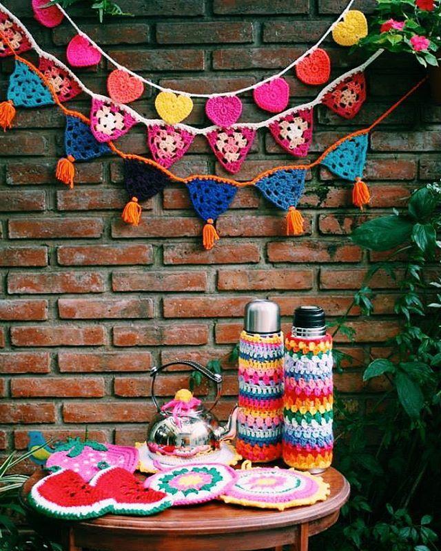 Tu hogar decorado por #tejidoslavidala ☀🙌 Mucho color en esta temporada!!