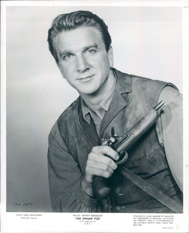Young Leslie Nielsen. Soo dreamy! | Leslie nielsen, Morning pictures,  Celebrities male
