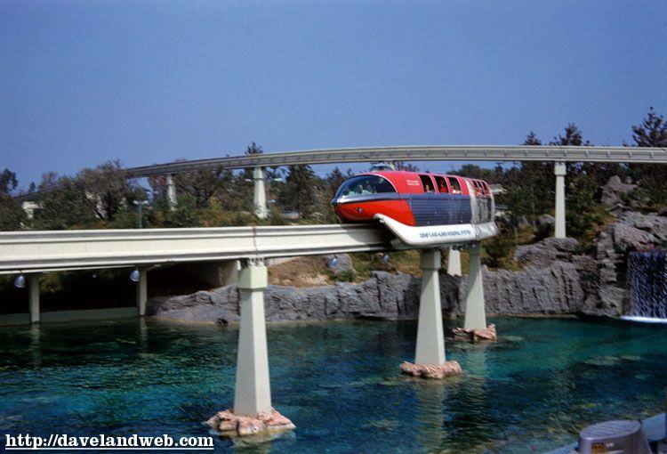 Daveland Disneyland Monorail Photo Page