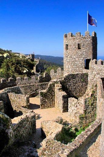 Castelo dos Mouros, em Sintra. http://fuievouvoltar.com
