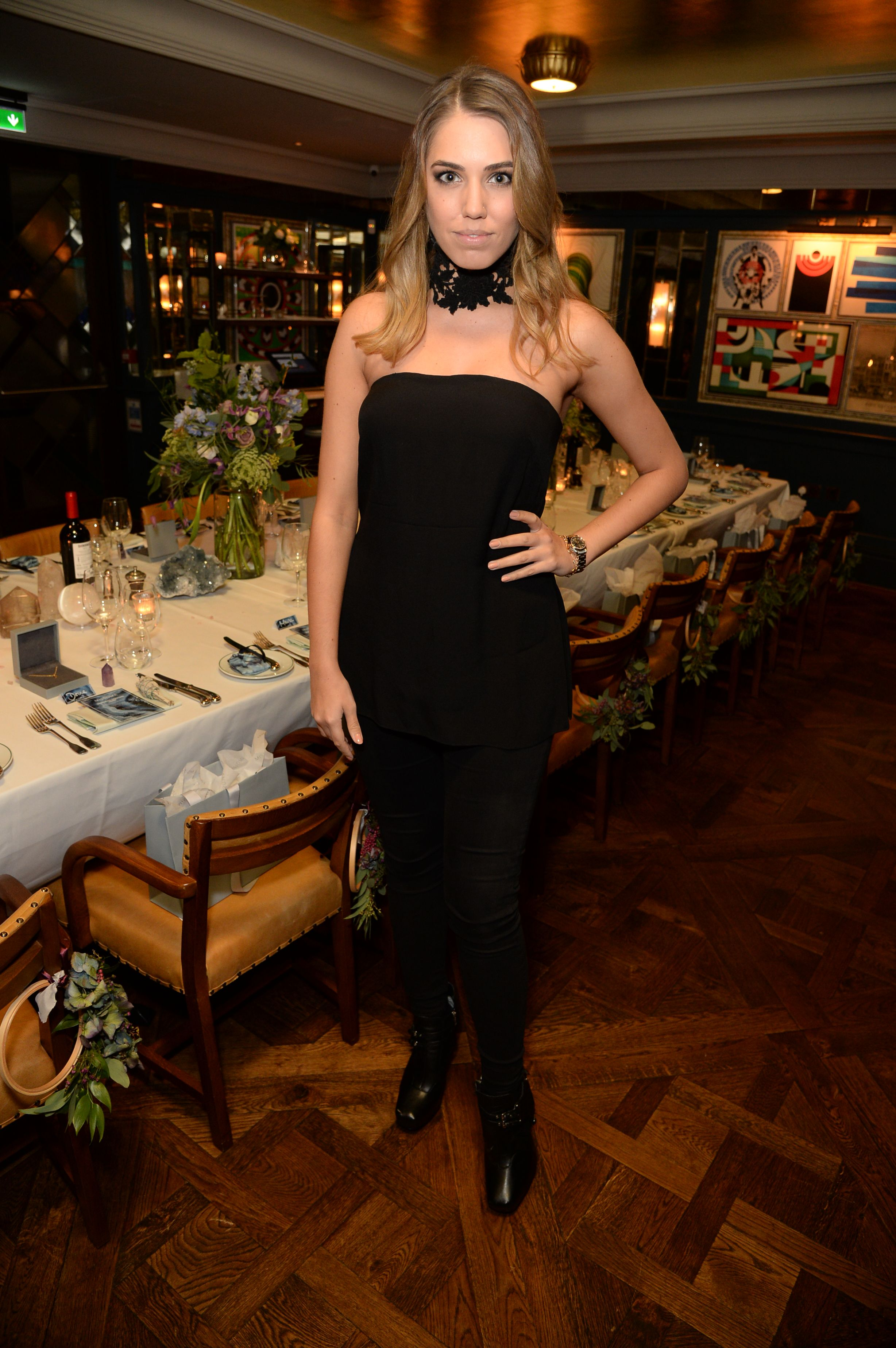 Amber Le Bon showing us how chic is done. A real pleasure to meet this hunnie at our Meaningful Gemstone Dinner at The Ivy - An evening of celebrating jewellery, gemstones and anything meaningful