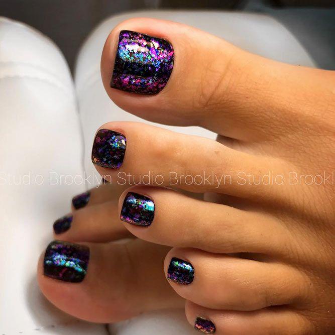 REALLY Cute Toe Nail Color Idea With Sparkles