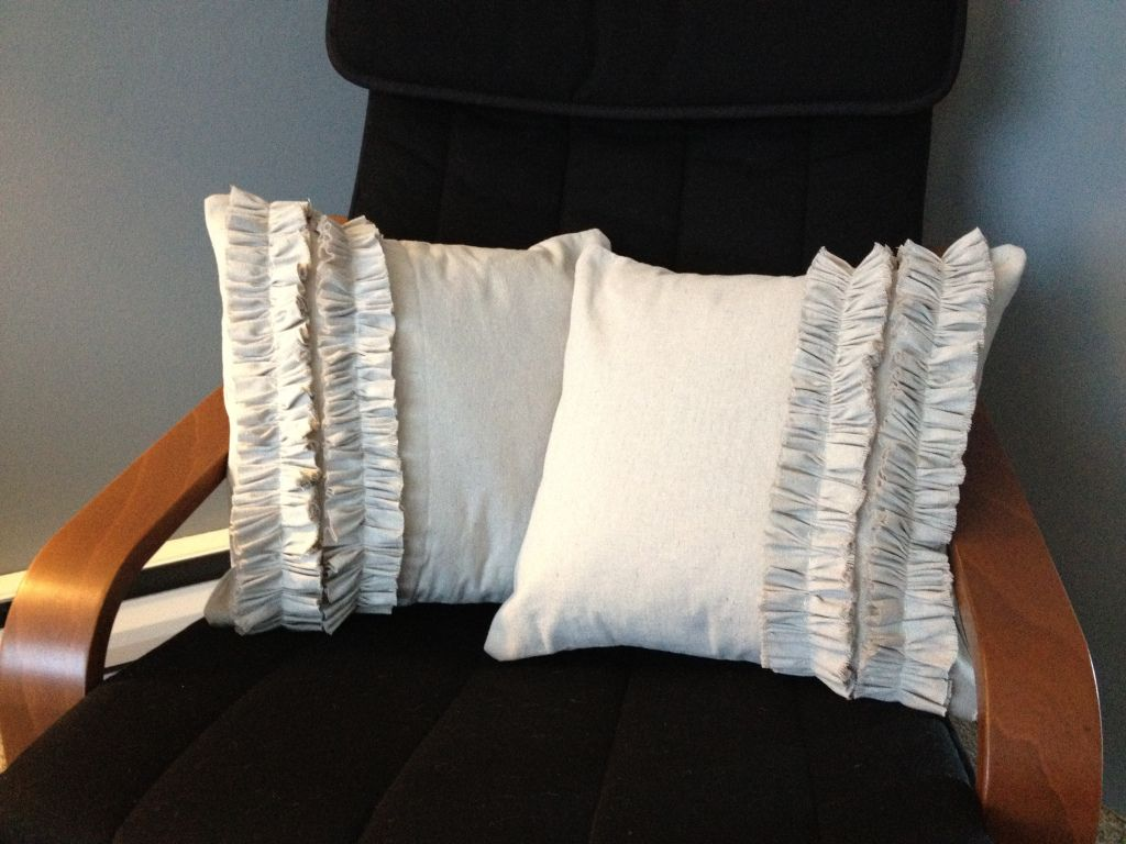 Today I whipped up a couple of pillows for my sister and I wanted to share how I made them.I have a lot of drop cloth material left over from when I made over my $5 thrift store ottoman and my sist…