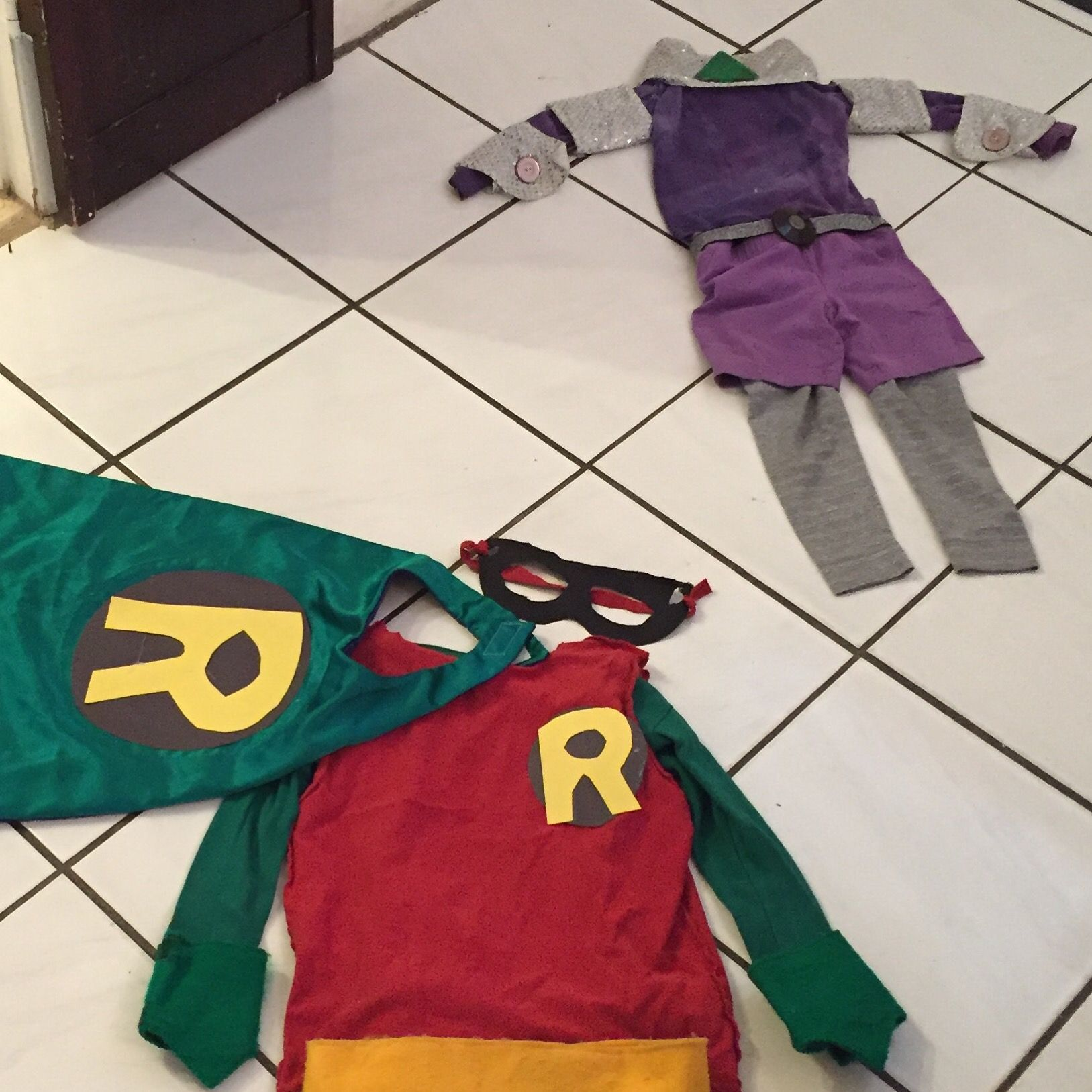 745a4c93f65e  DIY Teen Titans Go  Halloween Costumes  How I Made It – And How We  Actually Wore It  TeenTitans  Robin  Starfire