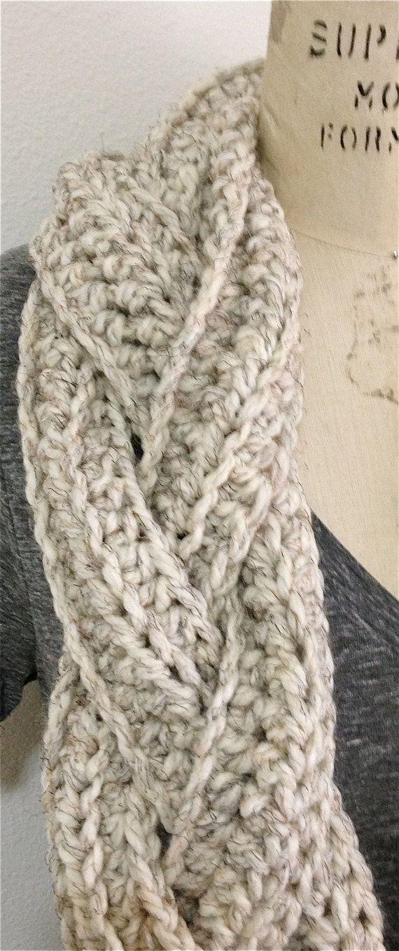 Esta alta moda bufanda de infinito es mano de ganchillo y trenzado ...