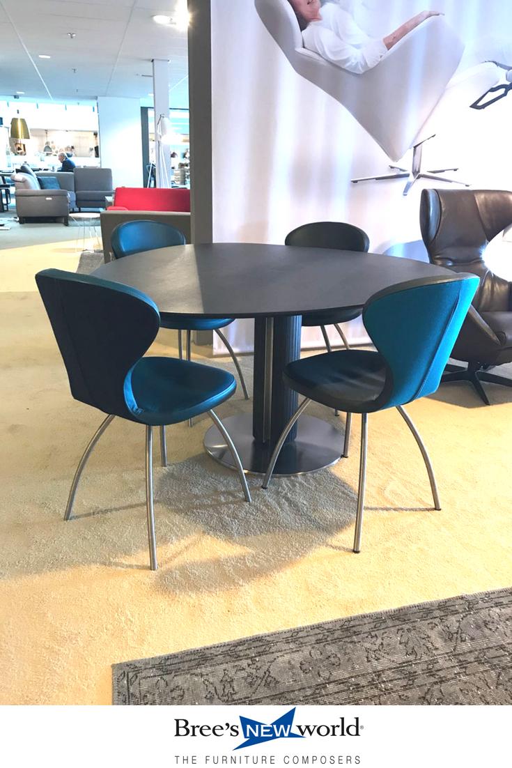 Moderne Eetkamer Set.Elegante Design Set Voor In De Moderne Eetkamer Eettafel Steely Met