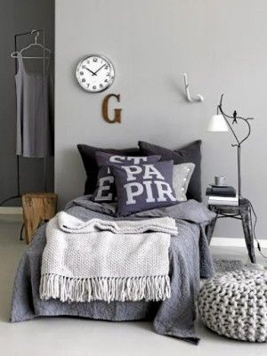 Slaapkamer in grijstinten en warme materialen. | Home - Design ...