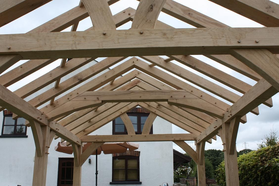 Oak framed king post truss prices uk low cost roof for Price on roof trusses