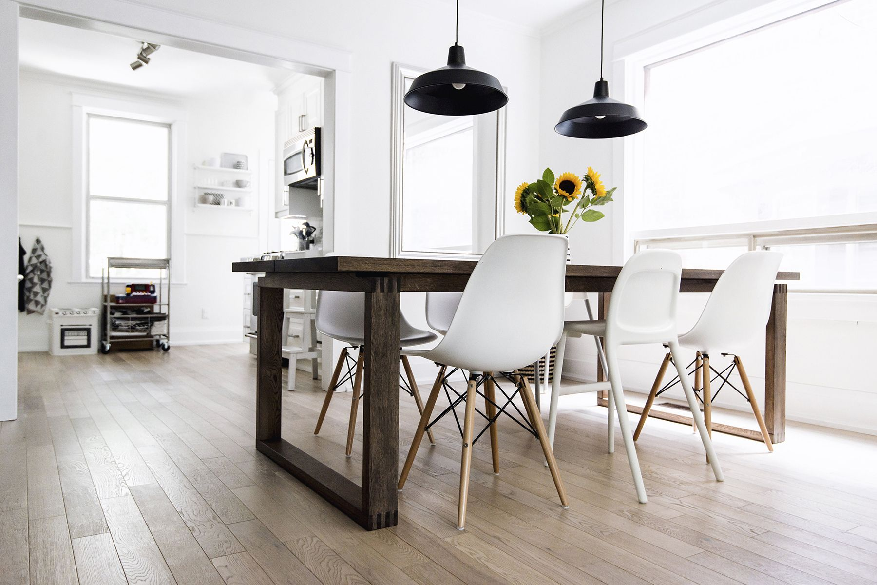 Scandinavian Style Dining Room Table: Scandinavian-inspired Dining Room