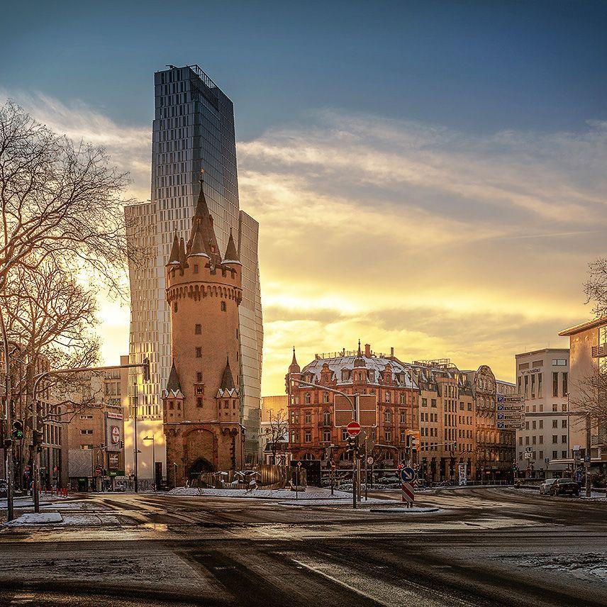Morgen Frankfurt frankfurt don t like that building it is looming the