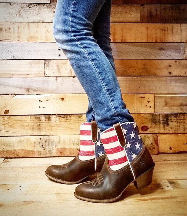 Show Off Some American Pride With These Cute New Women S Ariat Flag Boots These Old Glory Gracie Round Toe Ariat Boots A Western Boots Women Ariat Boots Boots