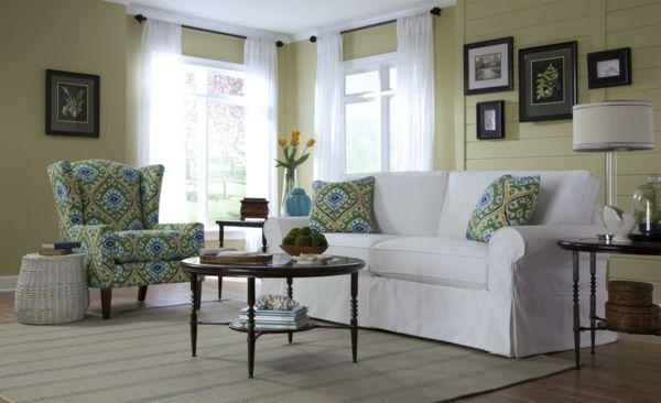 wohnzimmer sofa landhausstil farbiger sessel weiße gardinen - Gardinen Landhausstil Wohnzimmer