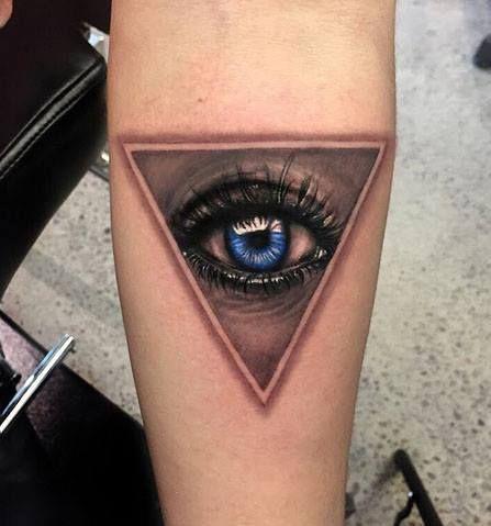 5da8523839a25 Chronic Ink Tattoo - Toronto Tattoo Realistic eye tattoo done by Martin.