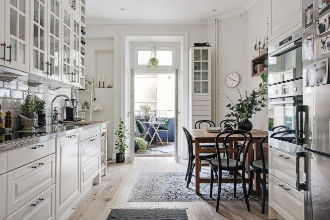 Armarios vitrina en la cocina | Cocinas clasicas, Vitrinas y Diseño ...