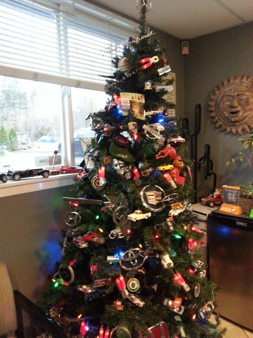 Christmas Tree Decorated With Tons Of Car Logos Has Mercedes Benz Star On Top Christmas Tree Decorations Mechanics Christmas Tree Office Christmas Decorations