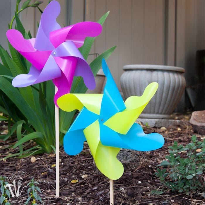 Diy Giant Outdoor Pinwheels With Images Diy Pinwheel