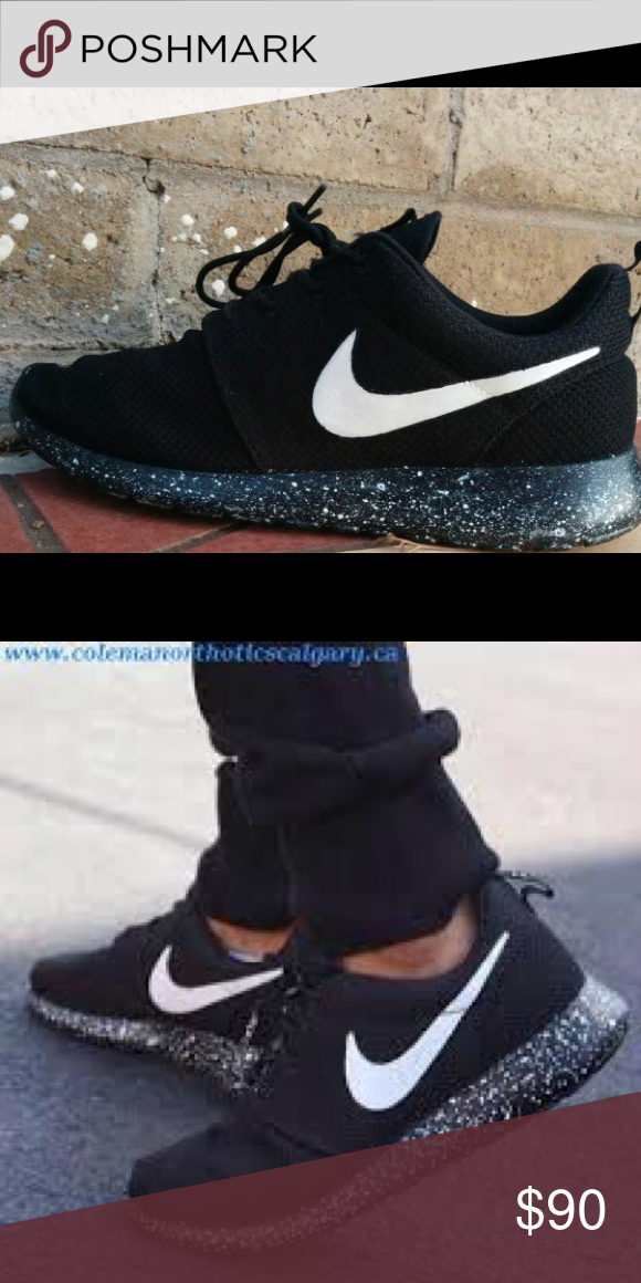 355afe0e35bd Oreo Nike Roshe Run Women s Worn Once. 7.5 (7 1 2) in Women s. Nike Shoes  Athletic Shoes