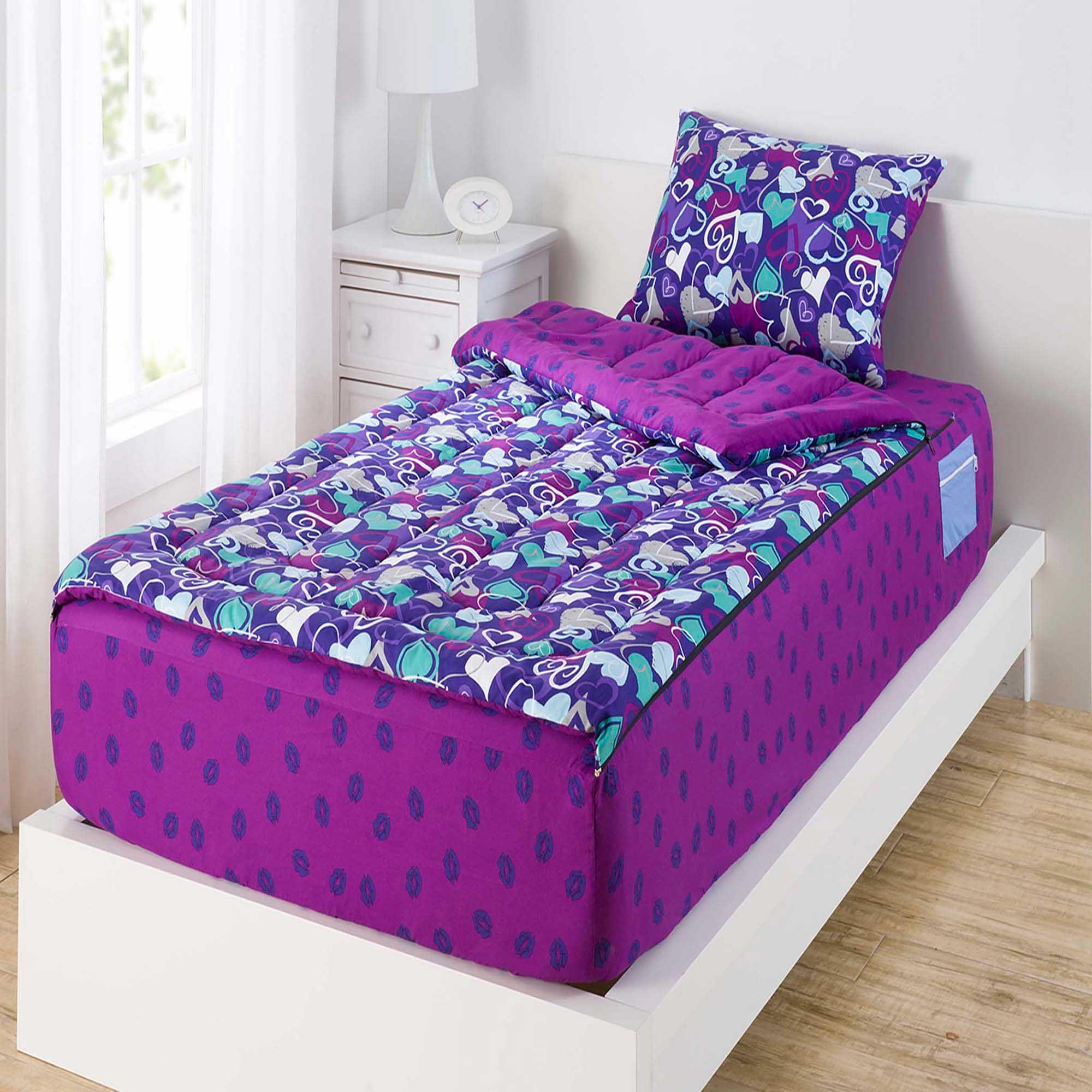 ZipIt Bedding® Hearts and Lips Reversible Twin Comforter