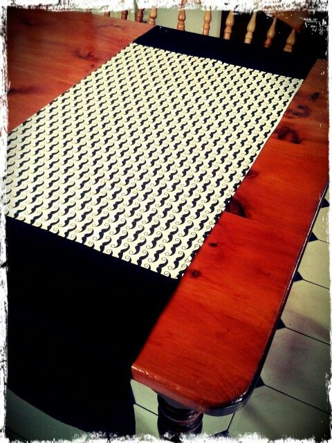 Easy quirky table runner http://wp.me/p5BHb5-8U