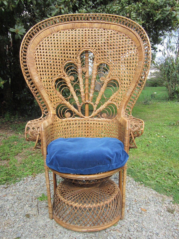 Fauteuil Emmanuelle Annees 70 D Occasion Vintage Design Scandinave Industriel Ancien Vendu Sur Collector Chic Depot Fauteuil Emmanuelle Fauteuil Annees 70